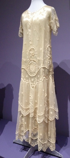 Anxiety and change the jazz age and wedding gowns of the for Wedding dresses asymmetrical hemline