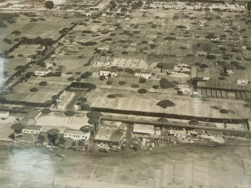 Burbank Airport camouflaged in WWII 004 (1024x768)