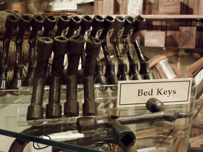 Bed keys for tightening ropes that supported mattresses.
